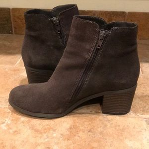 Kenneth Cole Reaction Shoes - Like new Kenneth Cole Reaction Rowdy Booties 6 $85